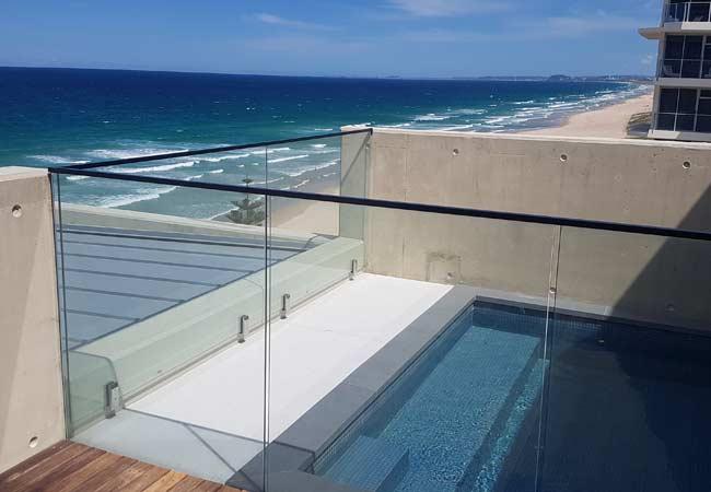 Frameless vs Semi-frameless Glass Pool Fencing